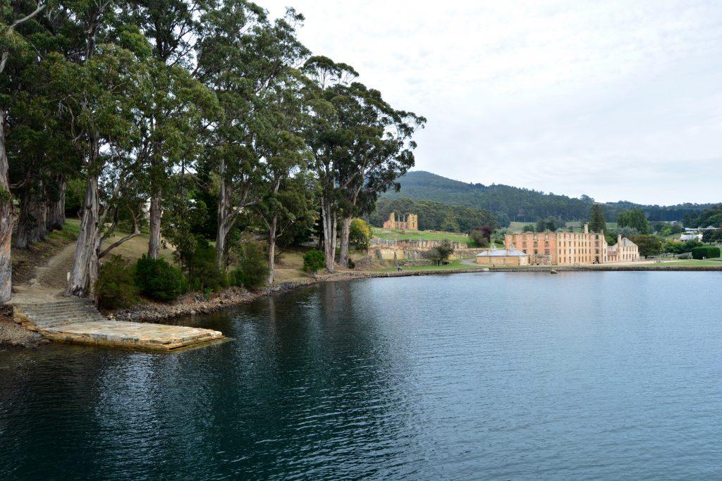 Port Arthur set fra vandet