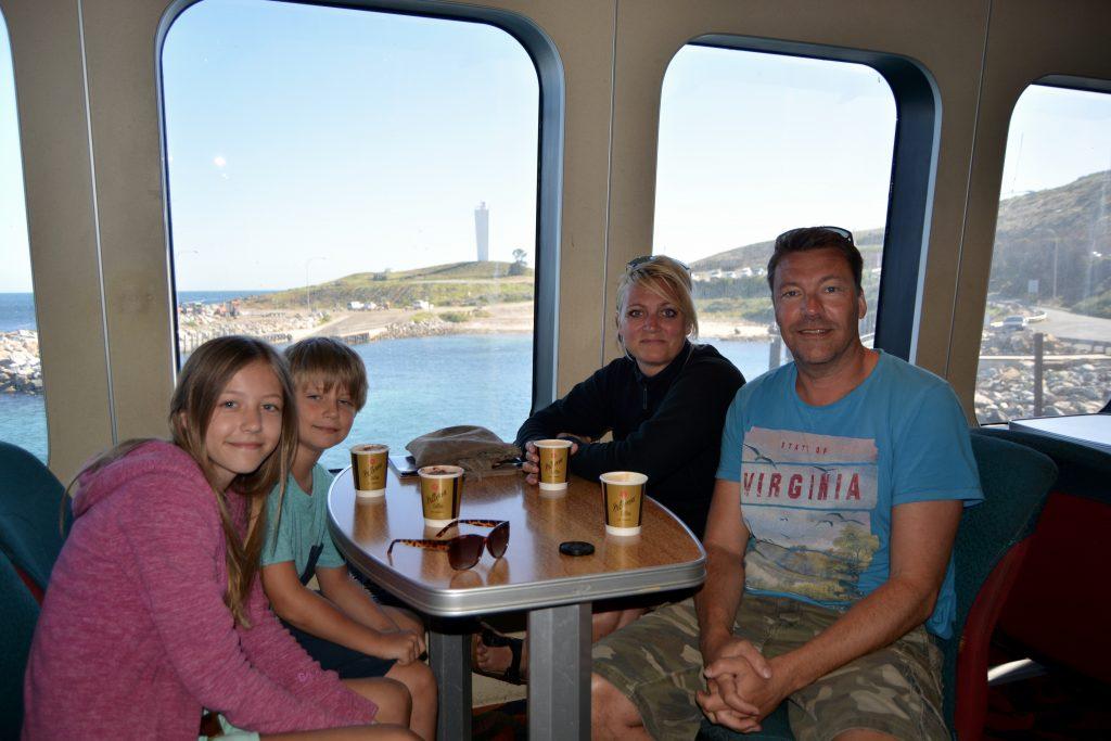 familien på Kangaroo Island færgen